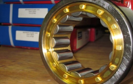 Brass caged cylindrical roller bearing